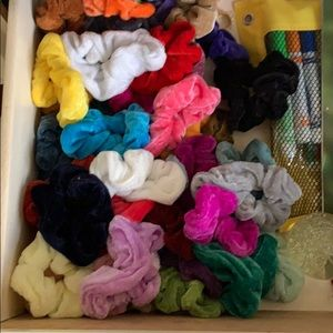 60 scrunchies